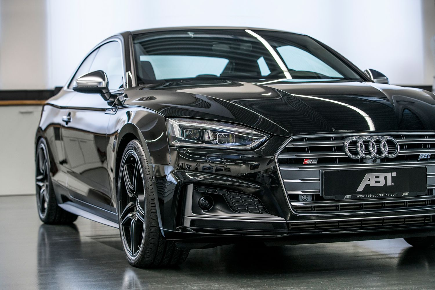 the abt audi s5. Black Bedroom Furniture Sets. Home Design Ideas