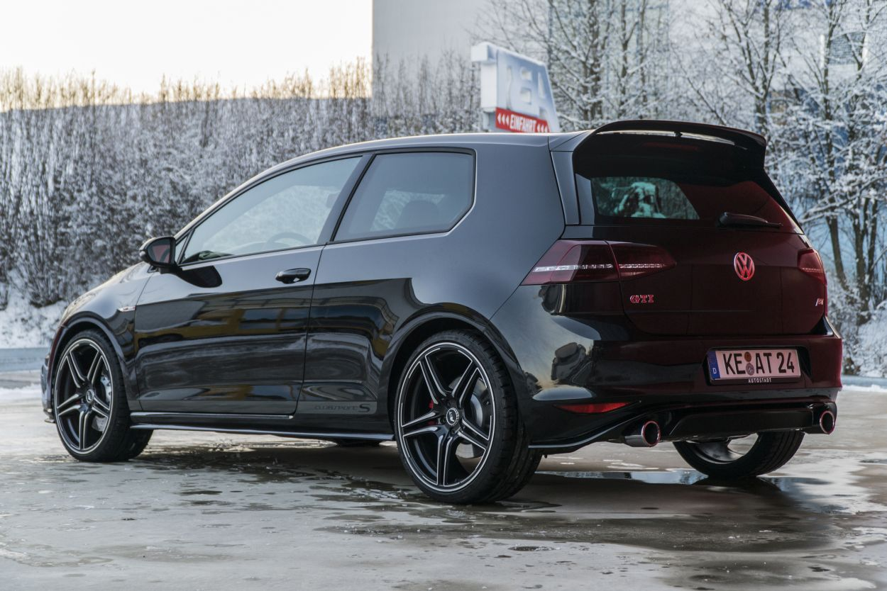 The VW Golf GTI Clubsport S with 370 HP