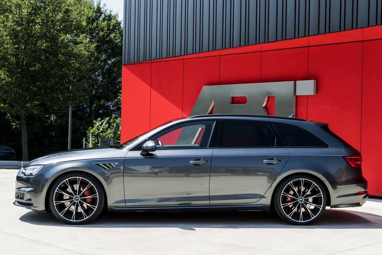 425 Hp And 550 Nm Whet The Appetite In The Audi S4 Avant